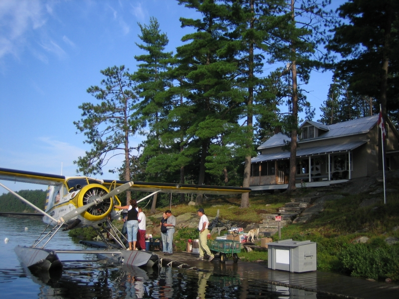 Cottage rental fishing pickerel river tornado 39 s canadian for Cottage packages manitoba
